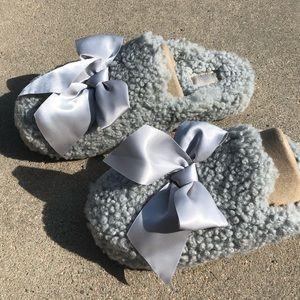 UGG Addison Slippers